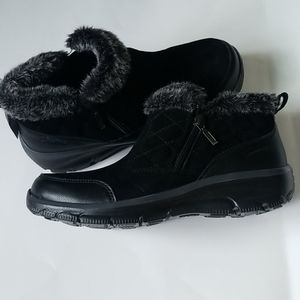 Women's Skechers Relaxed Fit Cold Weather Bootie.